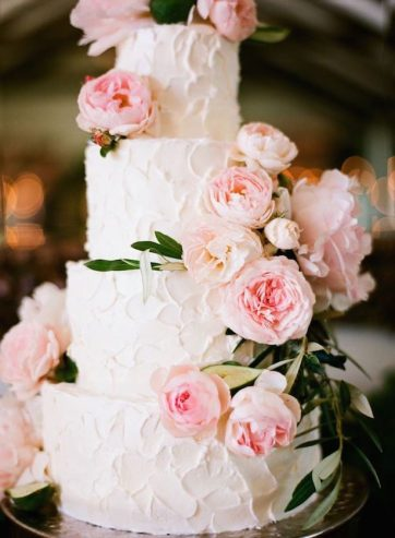 Romantic-Floral-WEdding-Cake-14-615x839